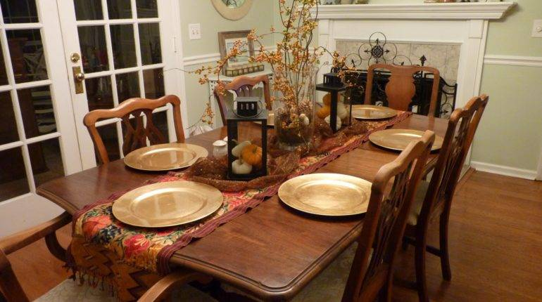 Dining Table Decoration Ideas Grasscloth